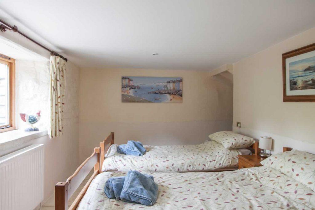Cider Barn Twin Bedroom